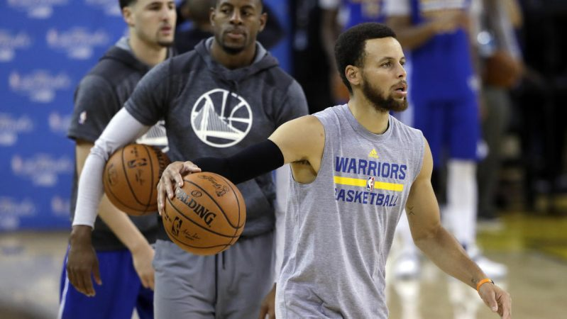 Curry Thompson Iguodala Warriorrs