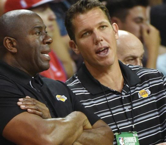 Luke Walton Magic Johnson