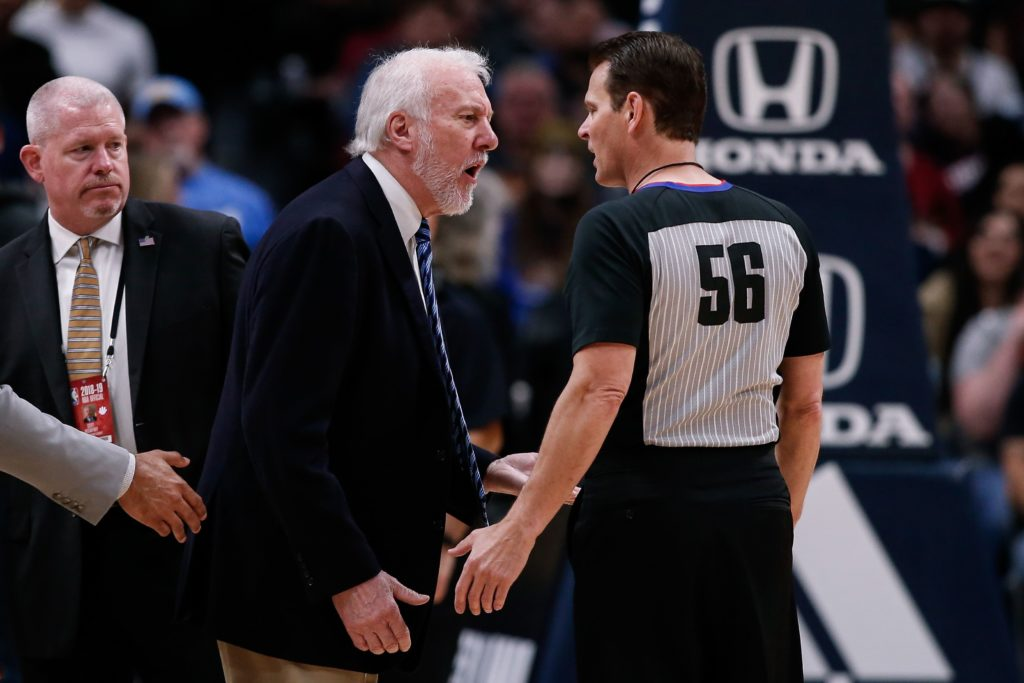 Popovich wyrzucony po 63 sekundach, Celtics-Pacers w pierwszej rundzie