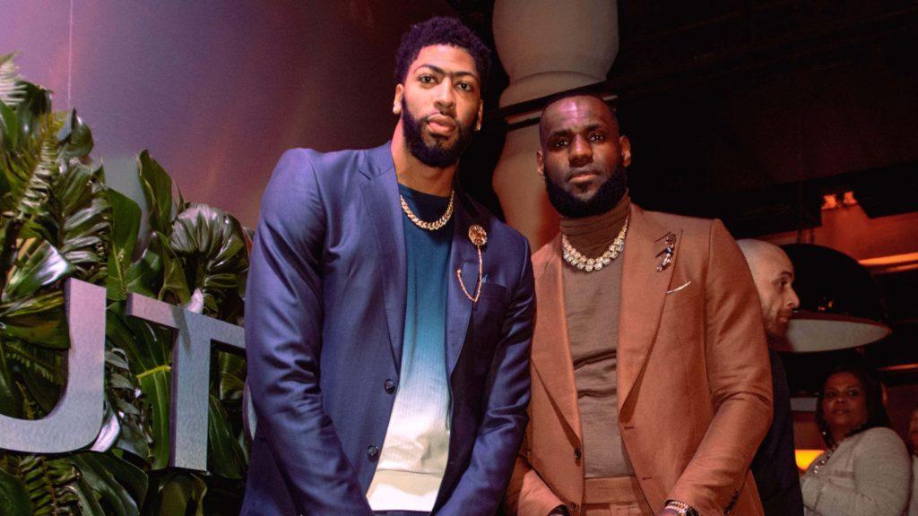 LA Lakers tworzą miejsce na trzecią gwiazdę