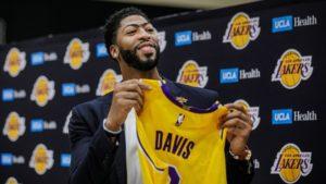 Kerr: Zachowanie Davisa może zaszkodzić lidze