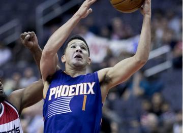 Fox prowadzi Kings do wygranej, Booker daje zwycięstwo Suns