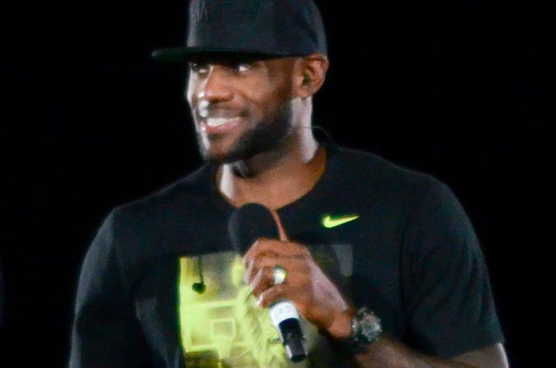 NBA rozważa mecze przy pustych trybunach, LBJ: Bez kibiców nie gram
