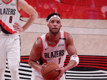 Evan Turner na testach w LA Clippers
