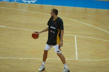 Z archiwum FIBA – Niemcy vs Hiszpania z 2005
