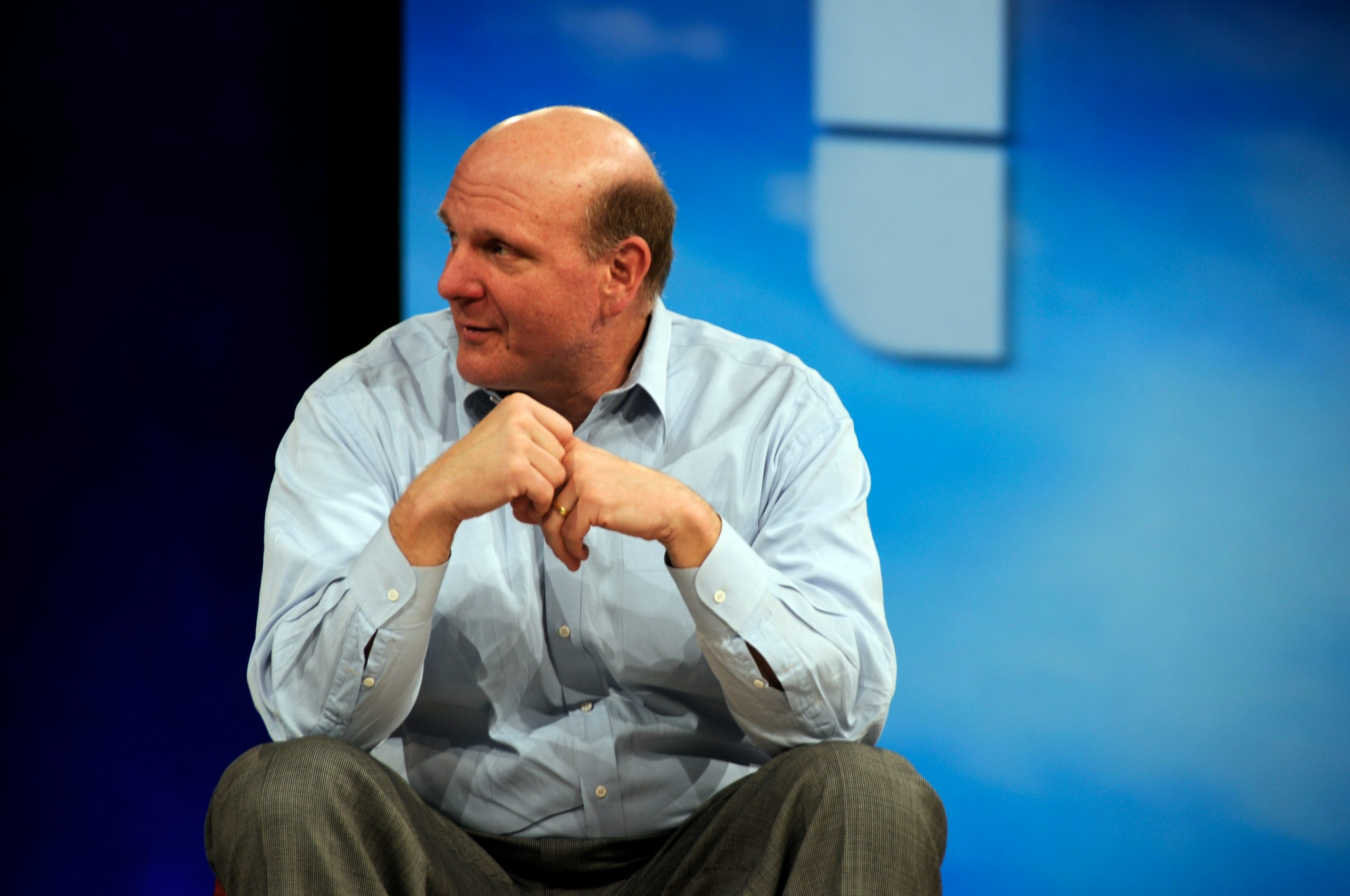 Steve Ballmer odkupi The Forum