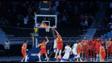 Blok Jokica na Zionie rozstrzyga mecz, Suns i Sixers w playoffach