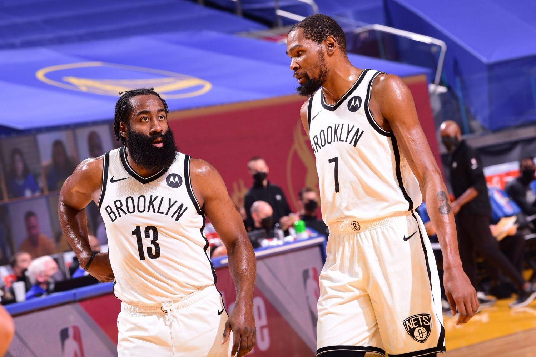 Curry daje zwycięstwo nad Bucks, rekord NBA Atlanty Hawks