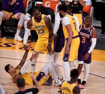 Bucks rozjeżdżają Heat, Suns grają brudny basket, Rivers przejmuje 4. kwartę