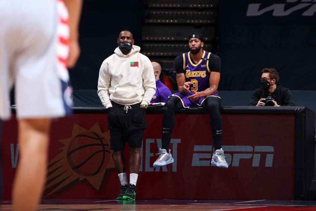 LeBron wraca w przyszłym tygodniu, problemy zdrowotne Anthony'ego Davisa