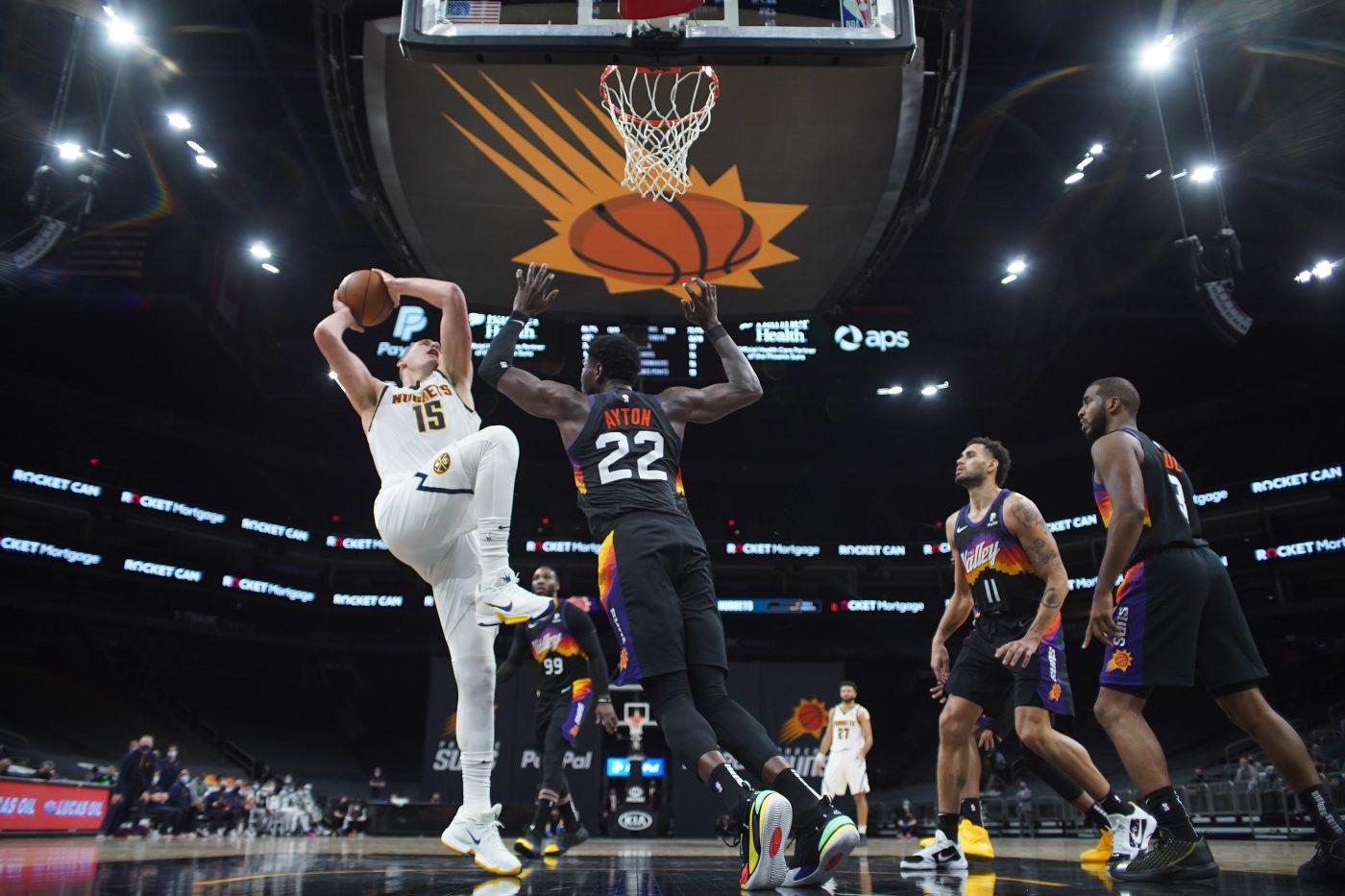 Czy Phoenix Suns znajdą odpowiedź na Nikolę Jokicia?