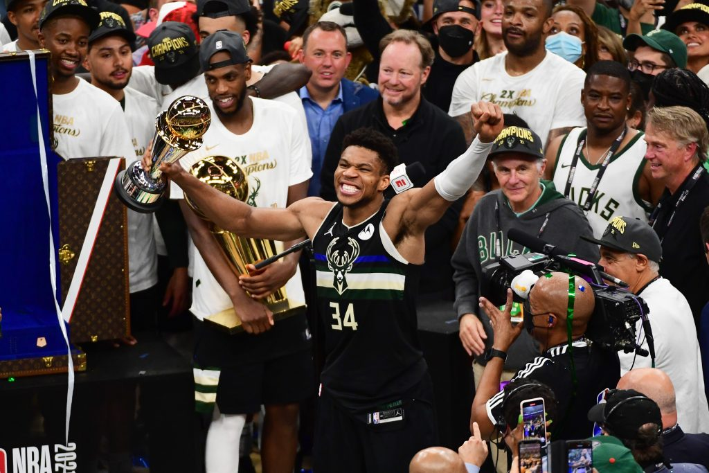 Milwaukee Bucks Mistrzami NBA! Legendarny mecz Giannisa Antetokounmpo