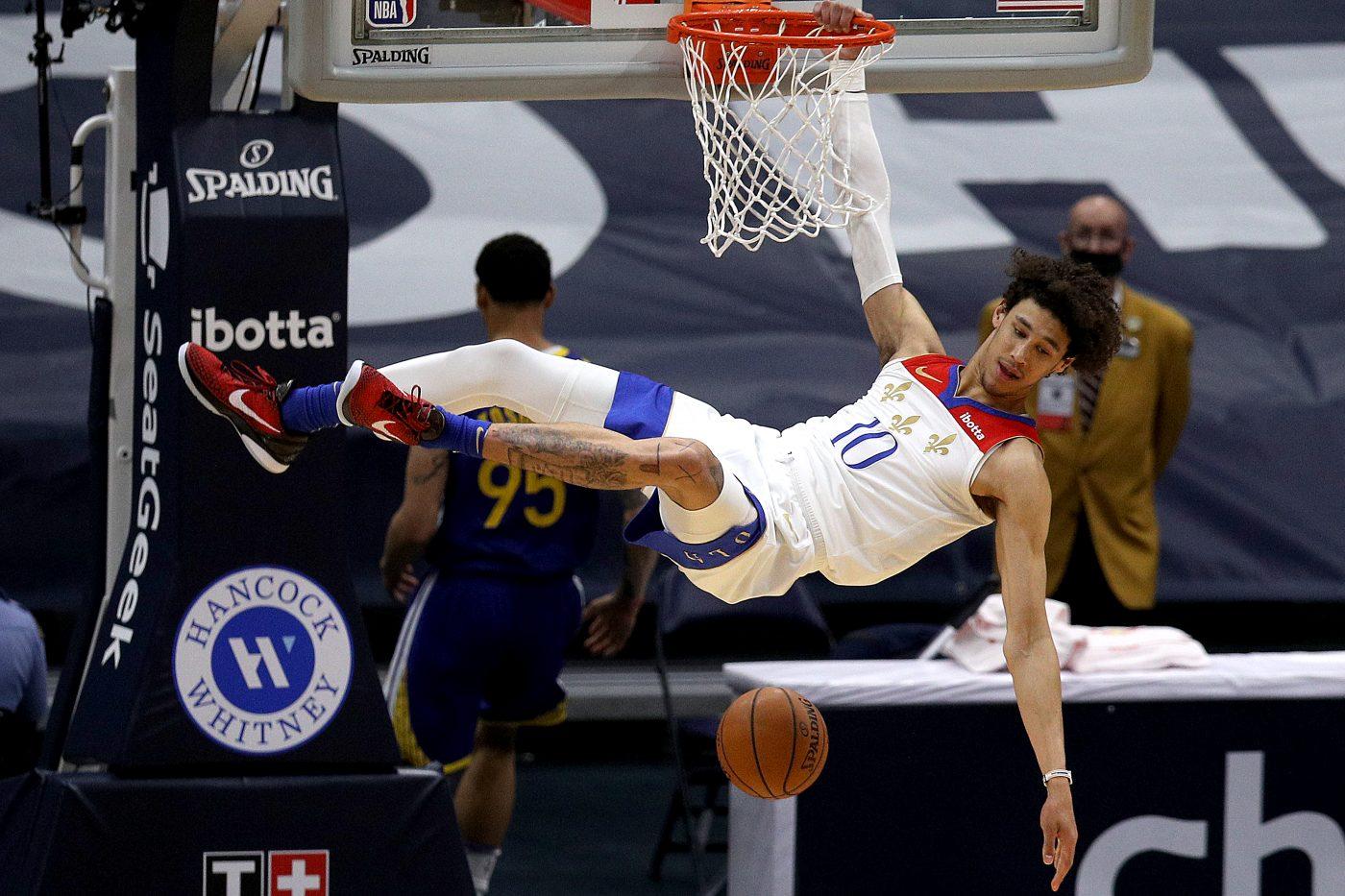 Środkowy New Orleans Pelicans aresztowany
