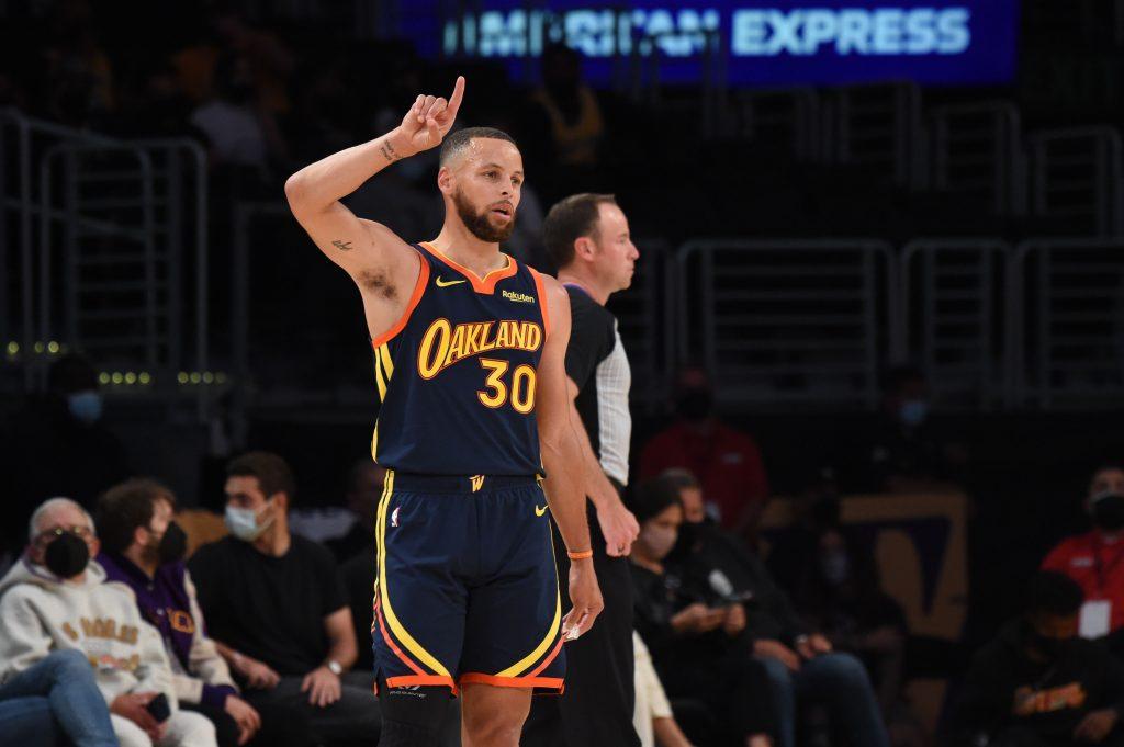 Stephen Curry przedłuża kontrakt z Golden State Warriors