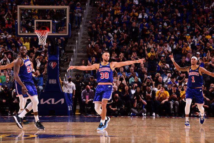 Heat rozjechali Bucks, kapitalny Steph Curry!
